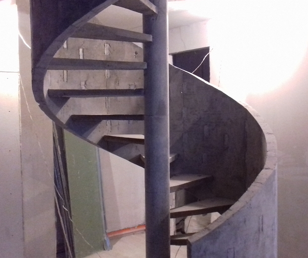 Монолитная бетонная лестница