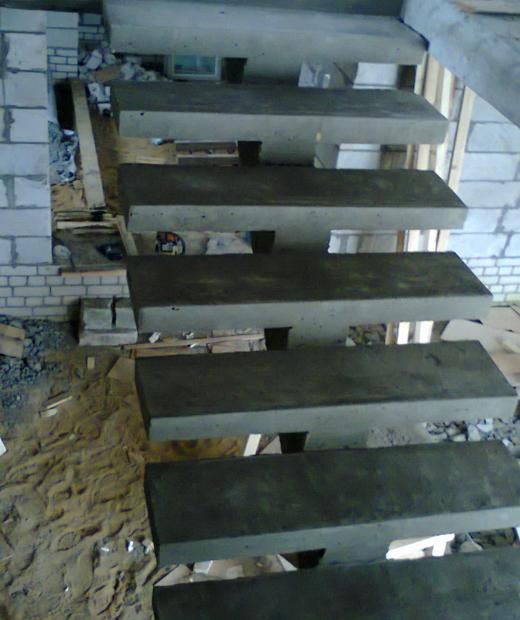 Монолитная бетонная лестница №16