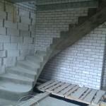Монолитная бетонная лестница №13