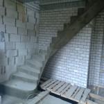 Монолитная бетонная лестница №25