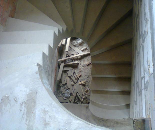 Монолитная бетонная лестница №5